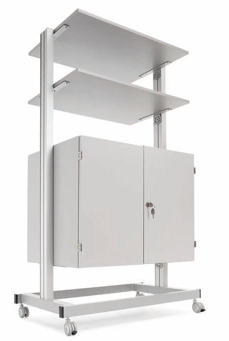 Armario con estantes - Armarios para audiovisuales con estantes Conjunto formado por una estructura metálica pintada en color gris, provisto de ruedas (2 con freno), con un armario con puertas y cerradura situado en su parte baja y estantes melaminados de color gris canteados con PVC antichoque.