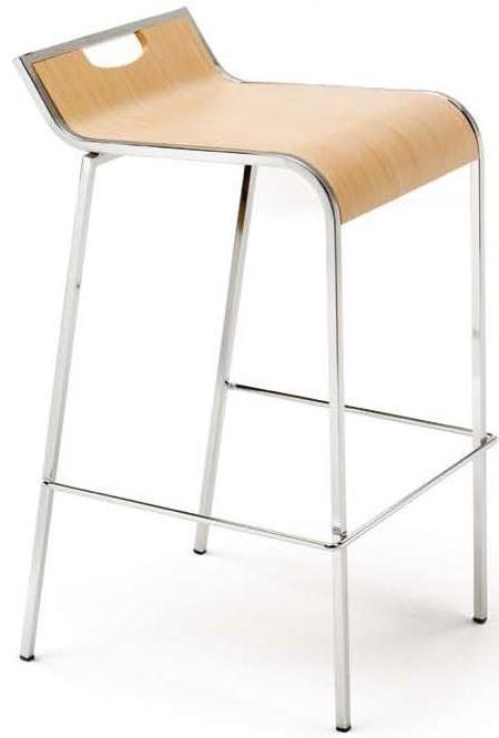 Taburete - Taburete de colectividades con asiento fabricado en madera barnizada de 13 mm de grosor (acabado Haya o Wengue) o tapizado en cuero negro. Estructura fabricada en tubo de acero de 15x15, acabado cromado.