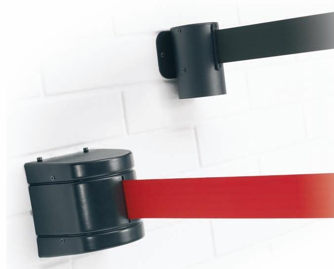 Cinta extensible a pared retráctil - Cinta extensible retráctil mural o a pared. Elemento mural de cinta extensible retráctil, permite de manera rápida y segura aislar provisionalmente áreas o zonas de paso, y cerrar puertas o zonas determinadas. Disponible en 2 longitudes; 2,5 m., 3,7 m., 5,2 m. y 7,7 m.