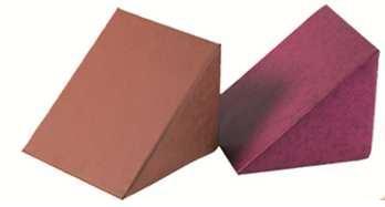 Cuñas de gomaespuma - Cuñas de gomaespuma tapizados en skay. Color tapizado original Negro. Según medida necesaria.