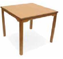 Mesa cuadrada geriátrico - Mesa geriátrico. Mesa con estructura en madera de haya y hueco  de 75 cm hasta el marco. Permite el acceso con sillas, sillones y sillas de ruedas.  Esquinas redondeadas en las encimeras para evitar golpes.
