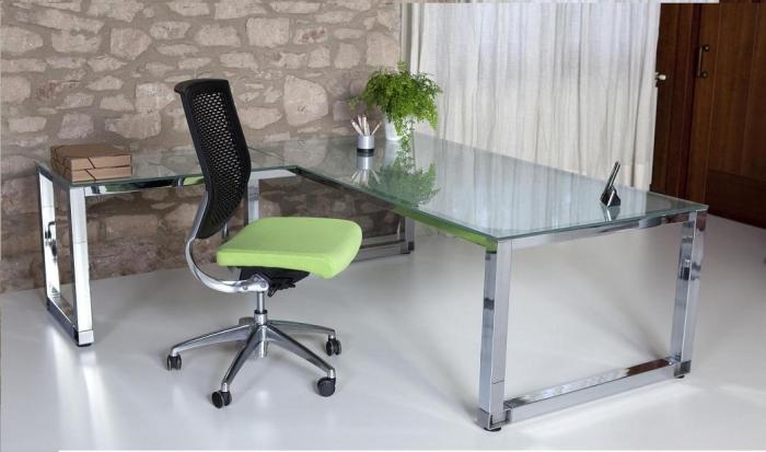 Mesa de oficina de cristal con la patas cromadas  Mesa de oficina de
