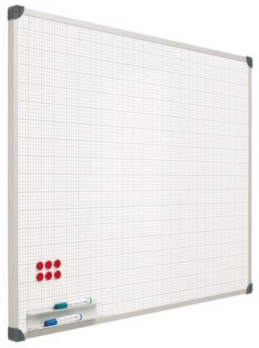 Pizarra pared cuadriculada - Pizarra mural cuadriculada Pizarra mural blanca cuadriculada con perfil de aluminio anodizado en color plata mate y cantoneras redondeadas de plástico gris. Superficie rotulable en seco. Incluye cajetín reposarrotuladores de 30 cm.