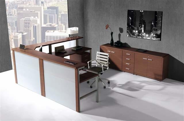 Recepci n mostrador cristal y wengue recepciones de for Mobiliario de oficina recepcion