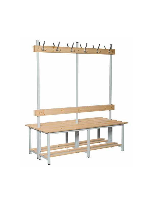 Banco madera doble con perchero - Banco con chasis de tubo de acero, listones de pino barnizado y estructura soldada. Doble con perchero.