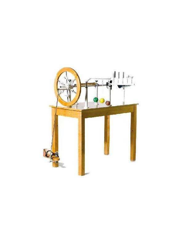 Mesa de manos - Mesa de manos. Fabricada en madera de haya barnizada. Consta de: Rueda de inercia regulable, prono supinador, flexo extensor, juego de pelotas, juego de tornillos con muelle.