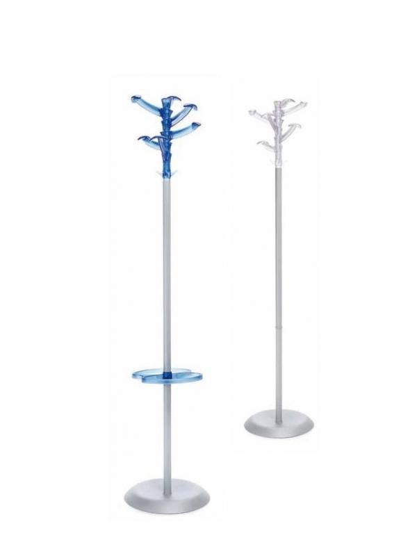 """Percheros. - Percheros """"Wkk"""" Gama de percheros """"Wkk"""" fabricados con estructura metálica desmontable, base metálica pintada en color gris y 6 perchas inyectadas en policarbonato de colores traslúcidos blanco y azul. También disponible con paragüero incorporado."""