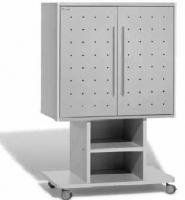 Armario móvil para TV - Armario móvil para TV de gran formato. Permite alojar televisiones de plasma o convencionales. Su estructura es de melamina de gran formato e incorpora puertas metálicas con sistema de cierre. Los tiradores son de acero inoxidable y las ruedas son silenciosas. Fácil montaje.