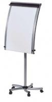Pizarra móvil - Pizarra móvil metálica y curvada con sistema patentado Flip-Roll de serie. Sólo papelógrafo. Permite trabajar con rollo o con bloc de papel universal. Regulación de altura mediante muelle. Incluye un brazo telescópico. Fácil montaje.