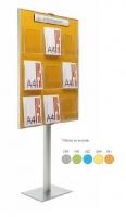Expositor para folletos con peana - Expositores con peana. Esta gama de expositores está disponible en formato mural en 3 tamaños y en 2 formatos de portafolletos a elegir: DIN A4 y 1/3 DIN A4. Gracias a las múltiples combinaciones son el complemento ideal para el equipamiento de oficinas, recepciones, halls, etc...