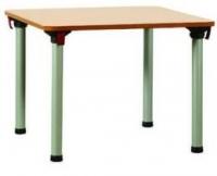 Mesa - Mesa plegable de 4 patas con sistema de plegado individual. Estructura en tubo de acero y tapa en estratificado. Diversas medidas.