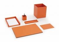 """Objetos de escritorio - Objetos de escritorio """"Office"""" Colección de escritorio de lineas minimalistas. Vades, cubiletes, bandejas, etc... confeccionados en material simil piel de alta calidad. Disponible en naranja, rojo, negro, marrón, azul y marfil, bajo demanda pueden realizarse otros colores"""