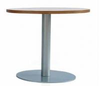 Mesa auxiliar geriátrico - Mesa auxiliar  De pie central en tubo de acero con pintura epoxi color aluminio. Base de soporte circular. Encimera en MDF melaminado de diámetro 50 cm con canto barnizado.