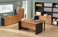 Mesa de oficina con ala inform�tica - Mesa de oficina con ala informatica a la der/izq  -160 cm. de larga x 80/90 cm. de fondo x 74 de altura el ala tiene un ancho de 58 cm y fondo de 120 en este lado -canteada en pvc anti-golpes. LA CAJONERA NO EST� INCLUIDA