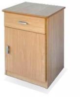 Mesilla de geriátrico - Mesilla de noche Fabricada en melamina de 19 mm. Encimera canteada y barnizada. Tapas con cantos redondeados para evitar golpes.