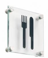 Pictograma de vidrio - Pictograma de vidrio Pictograma fabricado en vidrio templado y silueta termograbada mediante sistema de calca. La gama 796 se fija a la pared atornillando los separadores de acero inoxidable (opcionalmente con kit 796/KAR adhesivos).