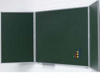 Pizarras mural verde tríptica - Pizarras mural verde tríptica Pizarra mural tríptica verde de acero vitrificado enmarcada con perfil de aluminio anodizado en color plata mate y cantoneras redondeadas de plástico gris. Posee 5 superficies de escritura con tiza. * Incluye cajetín reposarrotuladores de 30 cm.