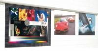 Perfil porta-poster o carteles publicitarios PP/50 - Perfil portanotas,portaposters o de carteles publicitarios. Perfil de aluminio anodizado en color plata mate que se fija a la pared mediante tornillos ocultos en la tapa lateral, para fijar notas, pósters, dibujos, planos, etc. Su parte inferior está rellena de bolas de cristal las cuales fijan el documento de papel de manera segura.