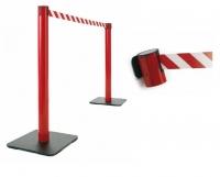 Postes de plástico para exterior - Postes de plástico para exterior. Poste separador de plástico de 95 cm de alto, para separaciones de áreas y guiado peatonal. Disponibles en varios colores tanto de poste como de cinta, disponible en 3,5 m. de largo. El cabezal del poste incorpora 3 vías de enganche.
