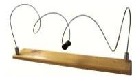 Muelle de reader - Muelle de reader. Soporte fabricado en madera de haya barnizada y muelle de Acero Inox con asidero PVC.