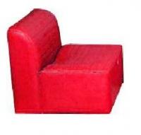 Sill�n sala de espera - Sill�n sala de espera M�dulo para salas de espera/recepciones. Gomaespuma 22 kg asiento , 20 kg respaldo. Estructura de madera. Posibilidad de tapizado liso o con costuras.