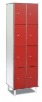 Taquilla fenólica 8 puertas - Taquilla fenólica con perfil de aluminio. Formada a base de láminas de celulosa homogeneizada con resinas fenólicas y compactadas. Núcleo interior negro. Patas de PVC con niveladores. Expesor puerta de 10 y 12 mm.  Perfil resistente a la oxidación. Herrajes y tornillería de acero inox.