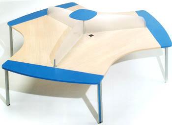 Mesa boomerang 120*104*74 - Mesa boomerang de 120cm de largo x 104cm de ancho x 74cm de alto.