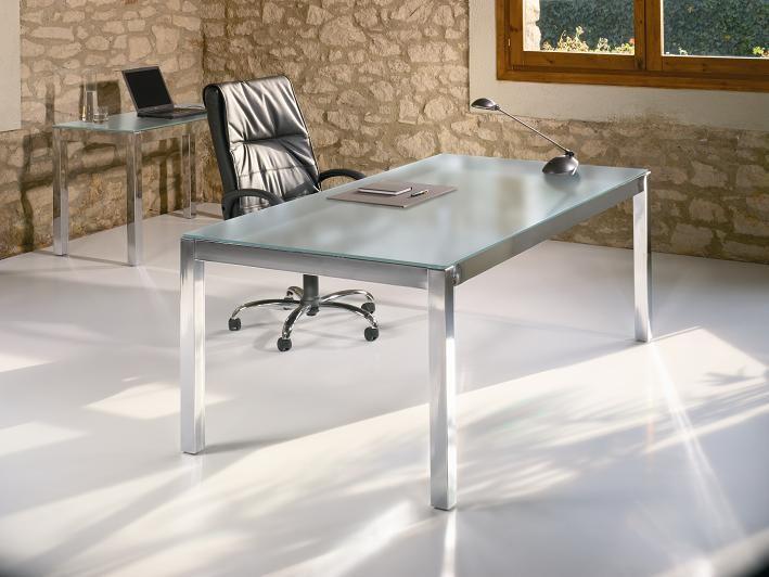Mesa de oficina cromada y tablero de cristal | muebles de oficina