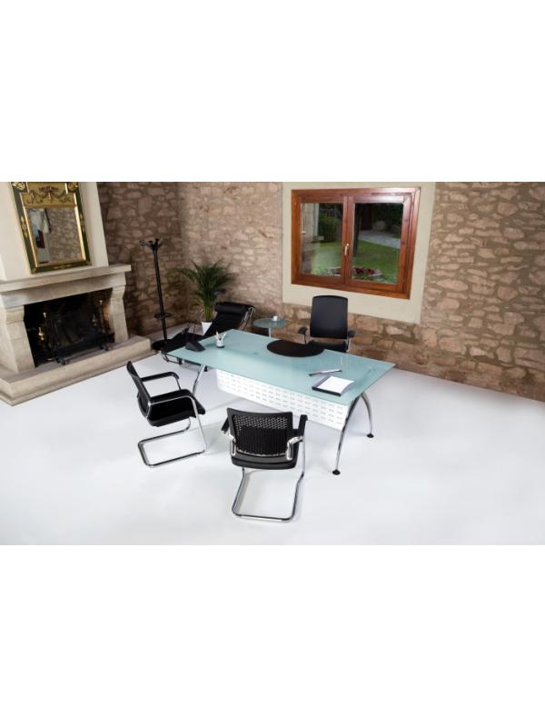 Mesa recta 160*80*74 - Mesa recta de 160cm de largo x 80cm de ancho x 74cm de alto. Estructura cromada,tapa en cristal. Faldon opcional.