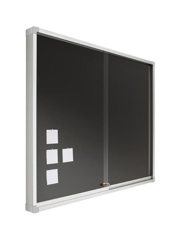 Vitrina - tapizada con puertas correderas - -Espacio interior 1,2 cm. -Cristal de metacrilato de 0,5 cm. de grosor. -Incluye cerradura y juego de llaves. -Medidas horizontales -60cm x 80cm (foto y precio) -Disponible tambien en: 80 x 100, 100 x 120,150,175,200.