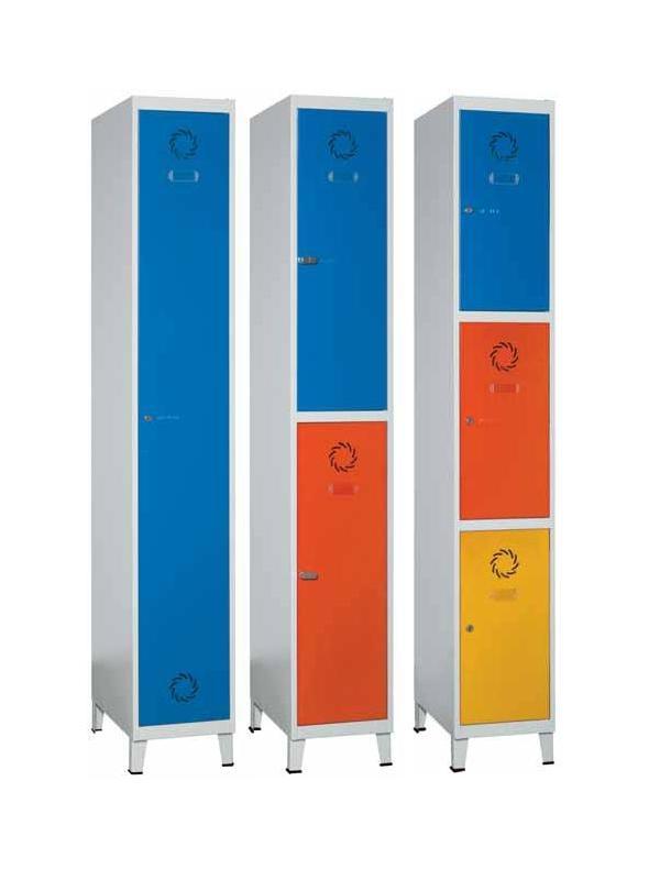 Taquilla modular - • Fabricadas en chapa de acero laminada en frío. • Estructura soldada. Monoblok. • Pintado con Epoxi en polvo. Cuerpo gris y puertas azul. • Puertas con etiquetero y rosetas de ventilación. • Incluye patas.