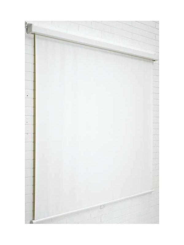 """Pantalla mural  - Pantalla mural """"Basic"""" Pantalla mural de proyección, adaptable a techo y pared. La carcasa está fabricada en chapa plastificada color blanco y la tela es especial antirreflectante. La tela se puede desenrollar a la medida deseada y el enrollado es automático. Ganancia: 1,3. Tela M1."""