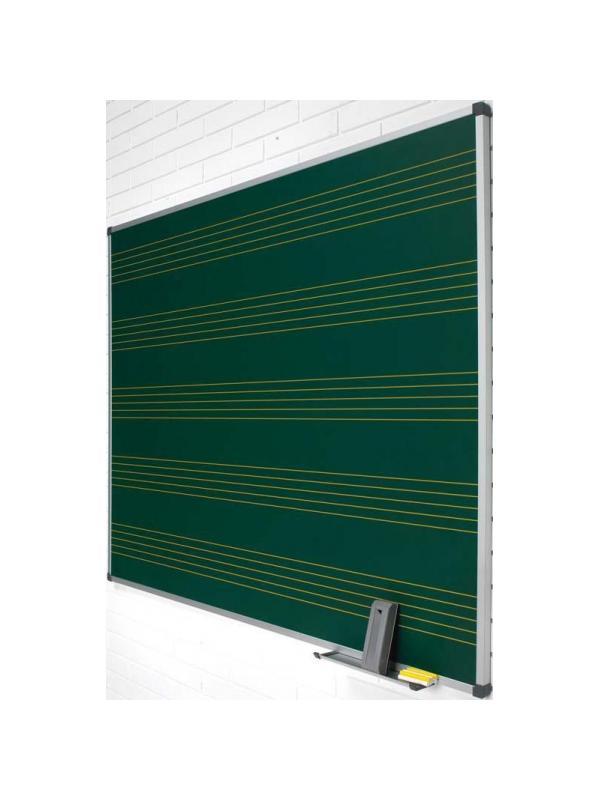 Pizarra mural verde - Pizarra mural verde con pentagrama Pizarra verde con pentagrama enmarcada con perfil de aluminio anodizado en color plata mate y cantoneras redondeadas de plástico gris. Superficie para escritura con tiza. Incluye cajetín reposarrotuladores de 30 cm. 5 pentagramas en color amarillo.