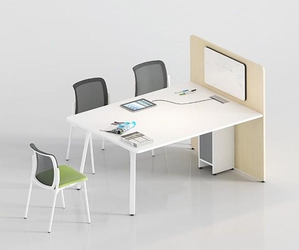 Mesa de reuniones o puesto de atención al cliente con electrificación - Mesa de reuniones o puesto de atención al cliente electrificada con panel separador en el que podemos colocar una pantalla o una pizarra o simplemente no poner nada.