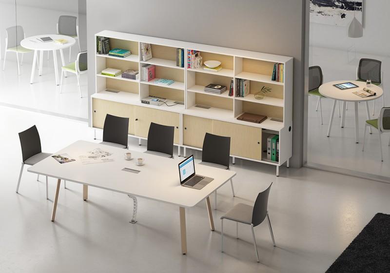 Mesa de reuniones rectangular - En las mesas de reuniones rectangular, en la que se puede incluir una tapa pasa-cables, por supuesto como en el resto de la serie puedes elegir el tipo de pata, bien metálica o bien en madera como aparece en la foto.