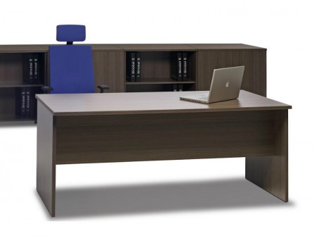 Mesa de oficina basic 120*80*74 cm. - Mesa de oficina línea basic  Las medidas son de-120 cm. de larga x 80 cm. de fondo x 74 de altura  Canteada en pvc anti-golpes del mismo color que el tablero  Disponible en más de 6 colores diferentes  Fabricada en España