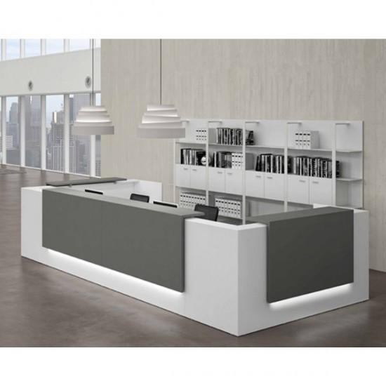 Mostrador / Recepción de diseño con iluminación led - - Mostrador para recepciones de oficina en módulos de 120,140,160,180 y 200 cm con mesa integrada. - Configurable el color de los tableros (blanco, aluminio, grafito, ceniza, tierra, arce, haya, roble claro, roble nuez  o roble viejo. - El embellecedor es opcional y disponible en 50, 70, 90, 110, 130, 150 cm en el mismo color y acabado que el mostrador con o sin iluminación led. - Módulo de 80 o 100 cm. bajo opcional para personas con movilidad reducida. - Módulo de 82x82 cm. de esquina para formar un mostrador angular. - La base es de polietileno para evitar que la humedad deforme la madera.