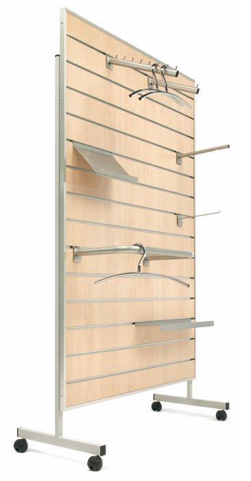 Panel de madera ranurado con ruedas muebles de oficina for Madera para colgar ganchos